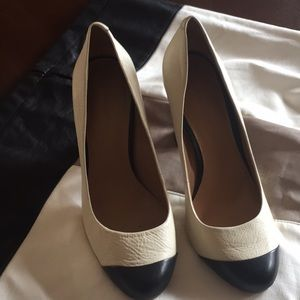 💐BANANA REPUBLIC genuine leather ladies shoes 👠